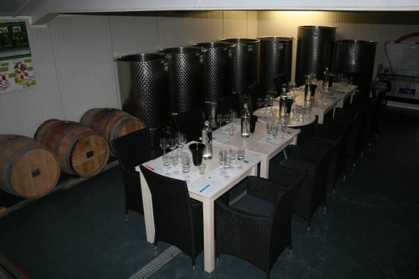 Ons leslokaal is van alle gemakken voorzien, en u zit midden in de sfeer van wijn maken